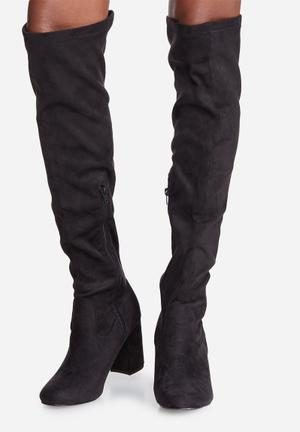 Madison® Stephanie Boots Black