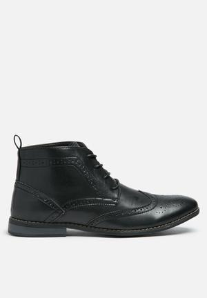 Charles Southwell Bertie Boots Black