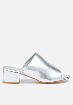 Truffle Arora Heels Silver