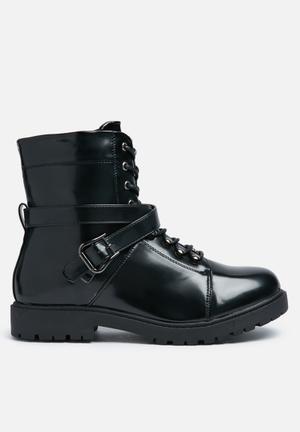 Truffle Colt Shine Boots Black