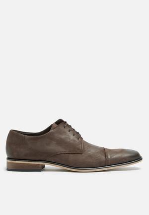Basicthread Kwezi Leather Derby Formal Shoes Dark Brown