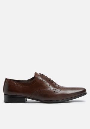 Basicthread Raymond Leather Brogue Formal Shoes Brown