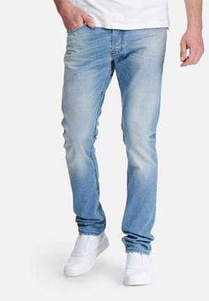 Diesel  Tepphar Carrot Fit Jeans Blue