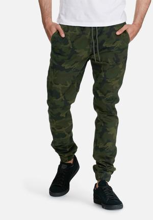PRODUKT Camo Cuffed Jogger Pants & Chinos Green & Black