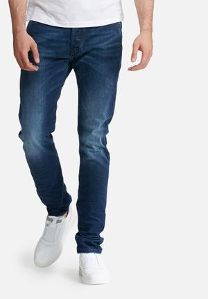 Diesel  Kakee Carrot Fit Jeans Blue