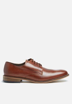 Basicthread Lethabo Leather Dress Shoe Tan
