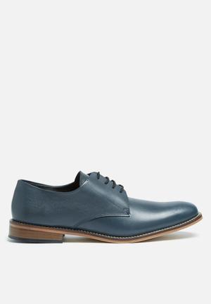 Basicthread Lethabo Leather Dress Shoe Navy