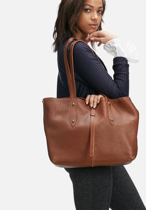 Rozel leather tote without tassles