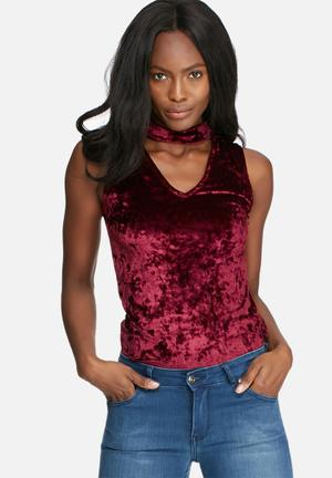 Dailyfriday Crushed Velvet V-neck Cut Out Top T-Shirts, Vests & Camis Burgundy