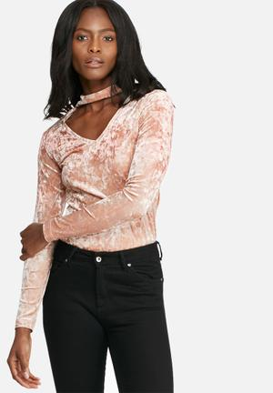 Dailyfriday Crushed Velvet L/s Choker Top T-Shirts, Vests & Camis Pink