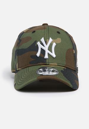 New Era 9Forty NY Yankees Headwear Camo Green