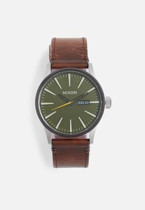 Nixon Sentry Leather Watches Green With Brown Strap