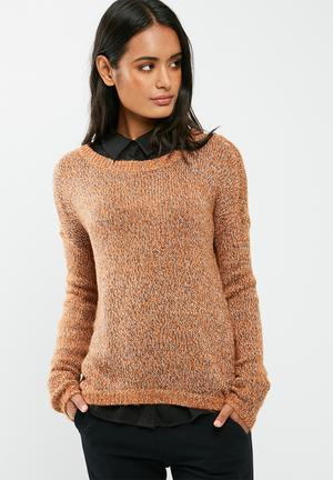 Vero Moda Jive High Low Knit Knitwear Orange, Black & White