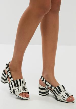 E8 By Miista Romeo Heels Black & White