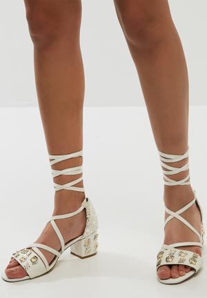 E8 By Miista Ayala Heels White