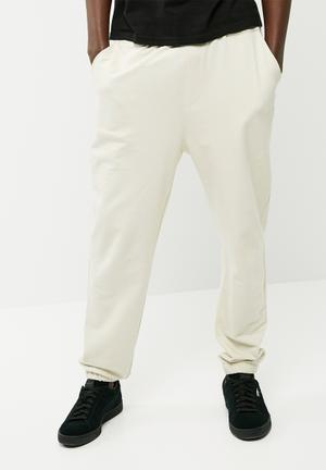 Basicthread Basic Loose Fit Sweatpant Beige