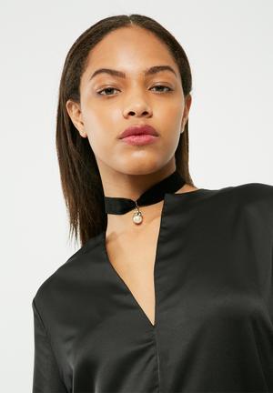 Missguided Pearl Drop Pendant Choker Necklace Jewellery Black