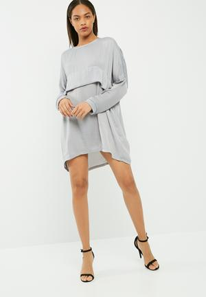 Missguided Oversized Satin Dress Casual Light Grey