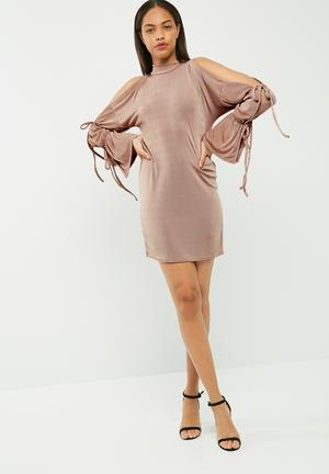 Missguided Slinky Tie Sleeve Detail Oversized Dress Casual Nude
