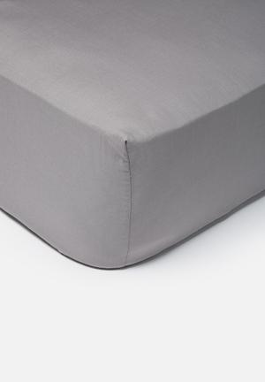 Sixth Floor Polycotton Fitted Sheet Bedding 50% Polyester 50% Cotton, 144TC