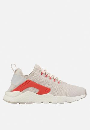 Nike Air Huarache Run Ultra Sneakers Off White / Red