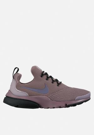 Nike W Presto Flyknit Sneakers Taupe Grey/Light Carbon-Black